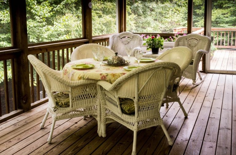 4 Ways To Make Your Terrace or Rooftop Deck Feel Cozy